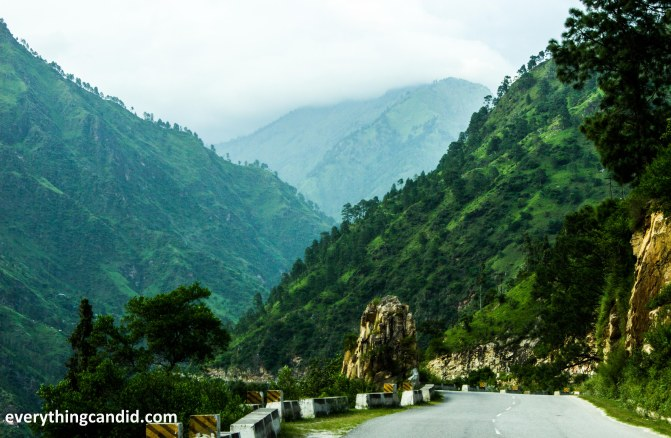 Road along Satluj River