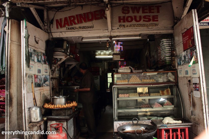 Bun Samosa, Kasauli, Tannu Halwai, Khushwant Singh, Himanchal Pradesh, India, Samosa, Food, Street Food