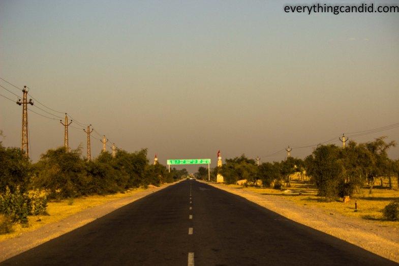 Self Drive, Road Trip,Deshnok, Karni Mata, India, Rajasthan, Ford Figo, Bikaner, Mandawa, Haveli, Travel, Photography, Photo, forts, Desert, Thar, Camel, Bhujia, Jaipur