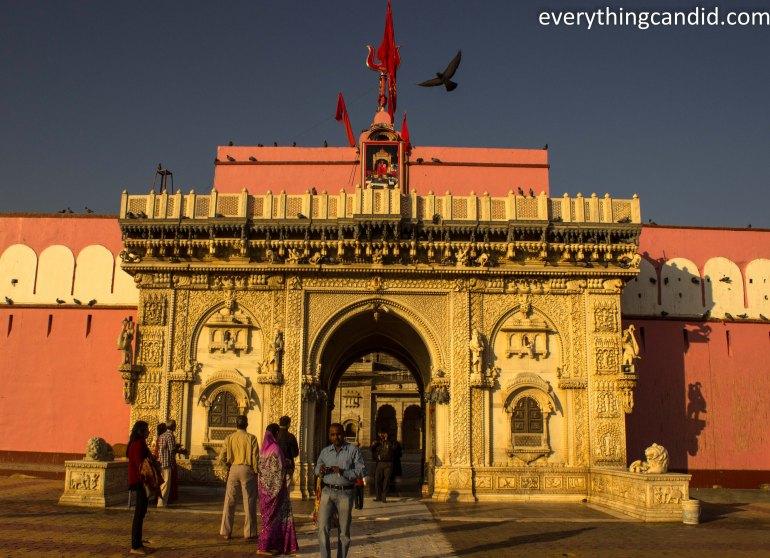 Self Drive, Road Trip, India, Rajasthan, Ford Figo, Bikaner, Mandawa, Haveli, Travel, Photography, Photo, forts, Desert, Thar, Camel, Bhujia, Jaipur, Karni Mata, Deshnok