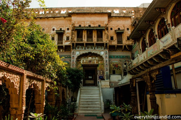 Mandawa haveli Built in 1890, now converted into Hotel.