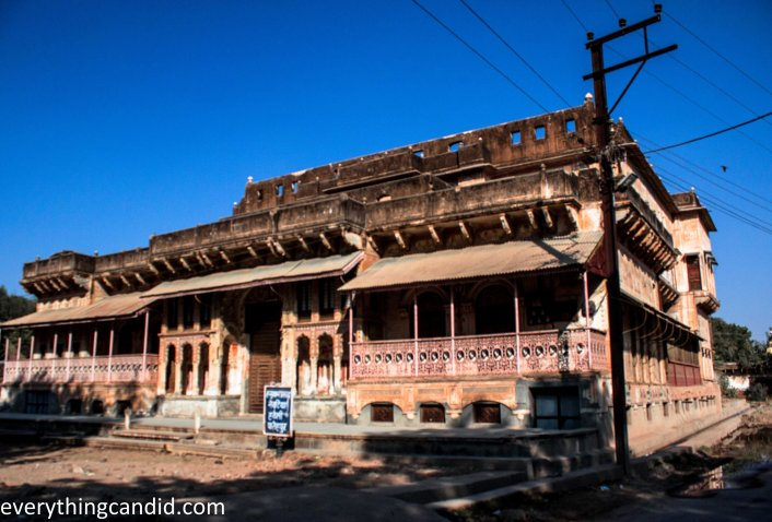Hnuman Prasad Navtia Haveli in Fatehpur