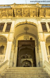 Grand entry gate of Bhartia Haveli in Fatehpur