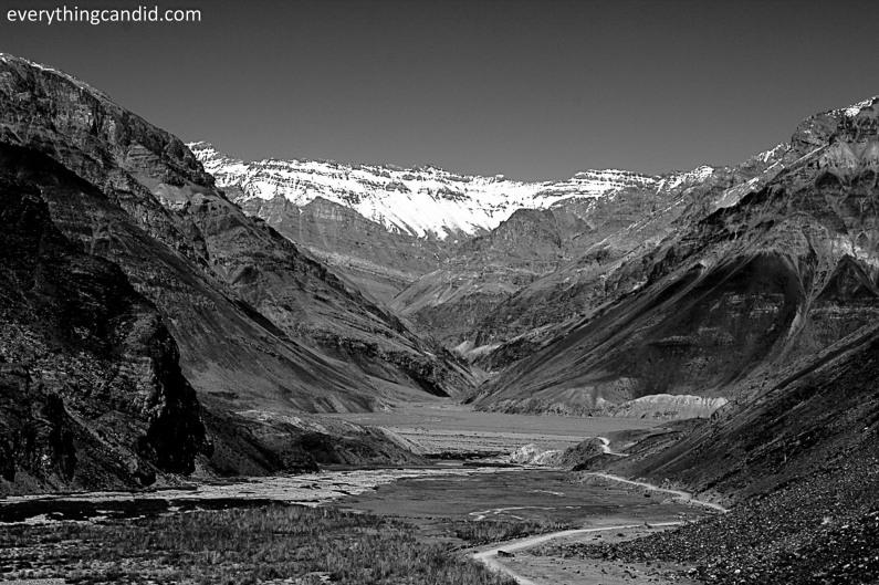 Spiti Valley as move up towards Kunzum Pass!