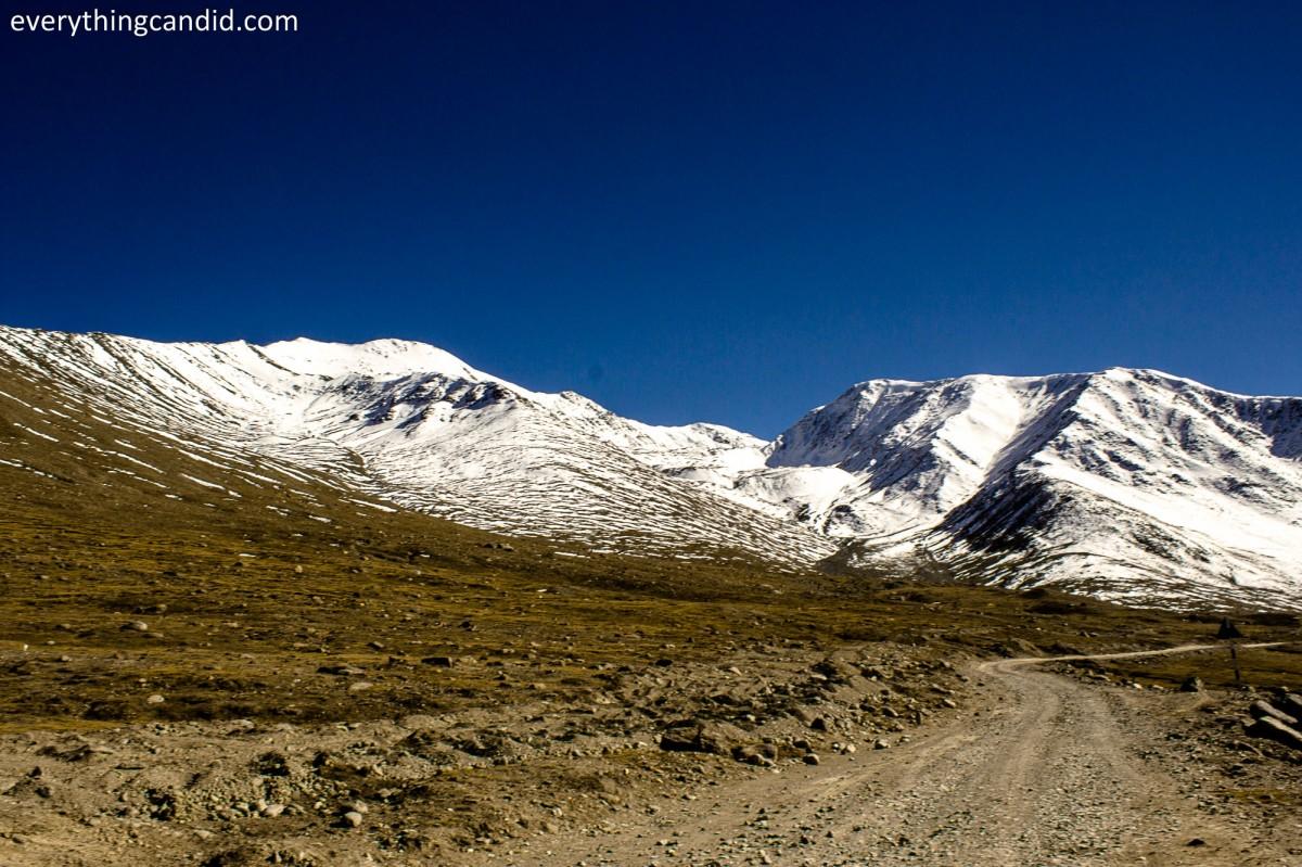 Black & White, Chandfratal, Lahaul, Kunzum Top. Spiti, Lahaul, Rpad Trip, Himalaya, Spiti RIver, Landscape, Hatchback, Ford Figo, Blog, Travelogue, Kaza, Tabo, Dhankar, Nako
