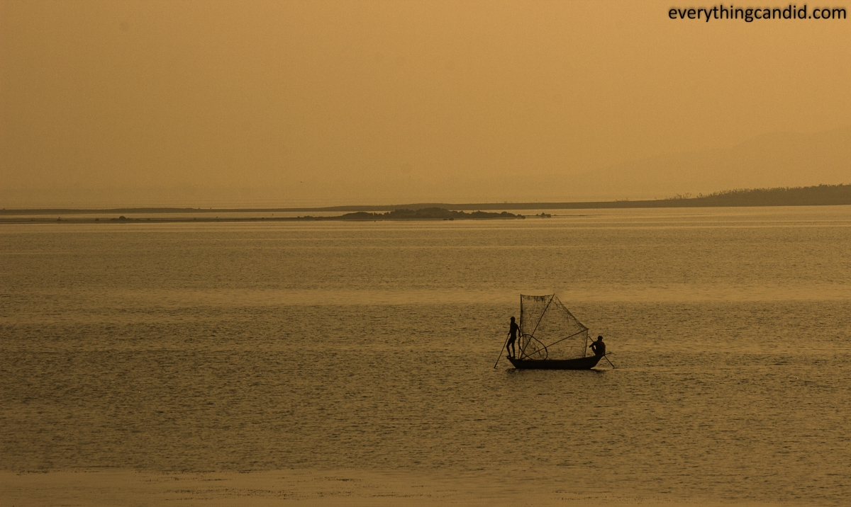 FIsher Man near Jhansi and Gwalior. Golden Hour Landscape Photography. India. Madhyapradesh.