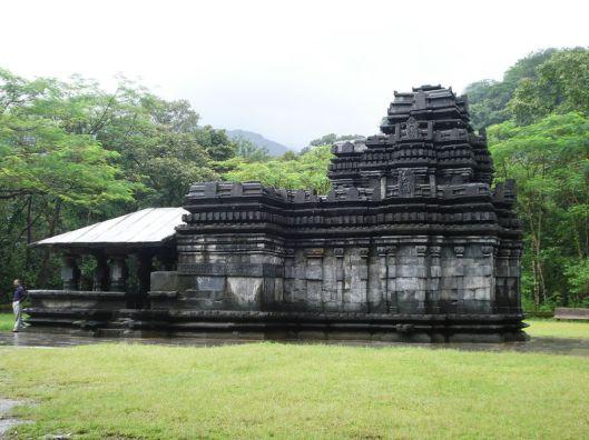 mahadev-temple-tambdi-surla-goa