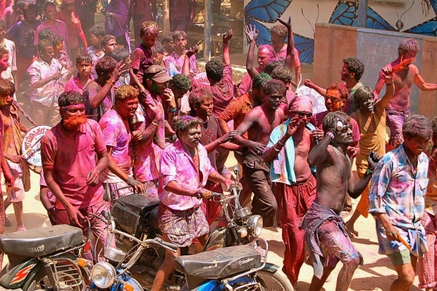 Holi-Hampi-Travellers-Archive-India