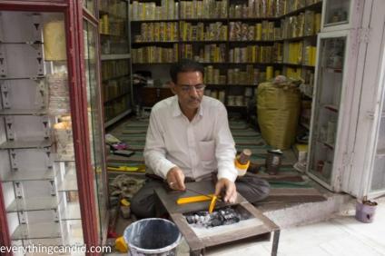 Lacquer bangle Maker - Jodhpur-9
