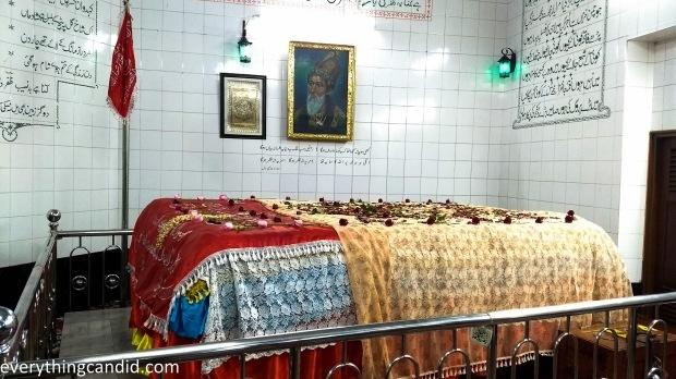 Tomb of Bahadur Shah Zafer-1-5