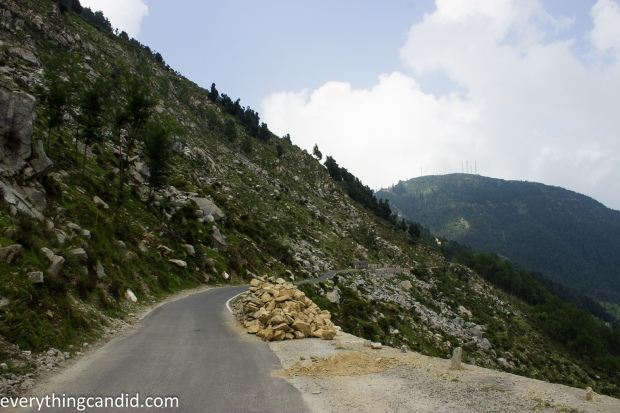 Road to Jot Pass