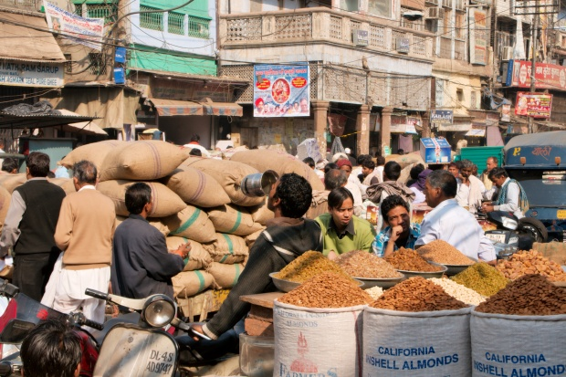 Dry_fruits_being_sold_at_Khari_Baoli_market_in_Old_Delhi.jpg