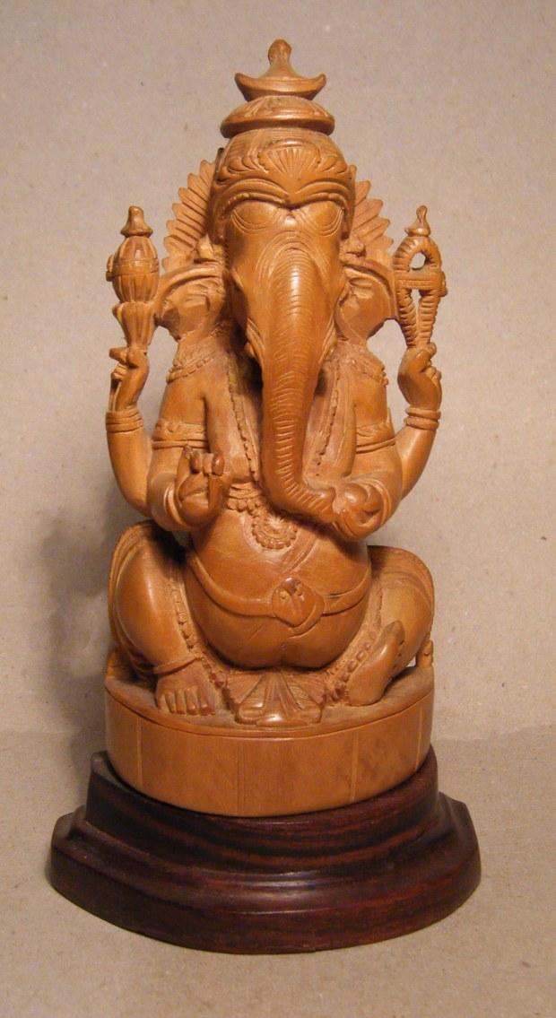 Ganesh_in_legno_di_sandalo.jpg