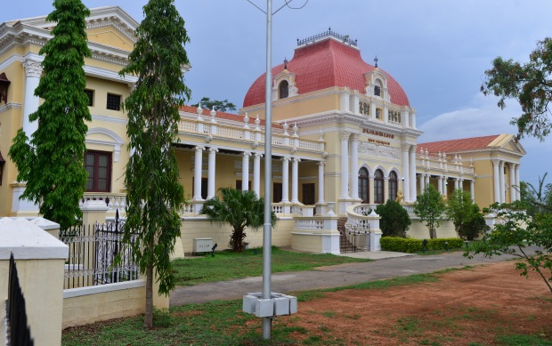 Oriental_Research_Institute,_Mysore_03
